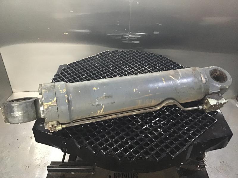 OutriggerCylinder