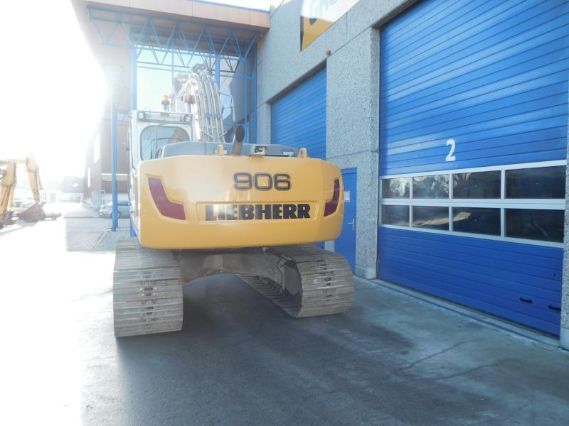 Liebherr R906 LC