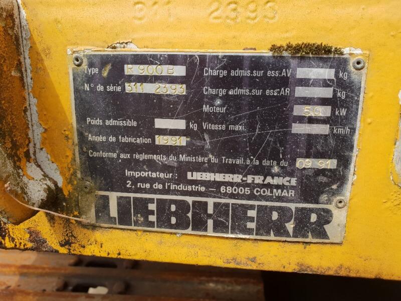 Liebherr R900 B